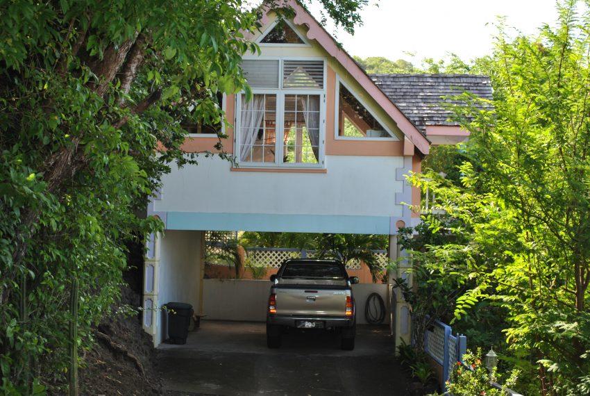 Entrance garage and RBApt