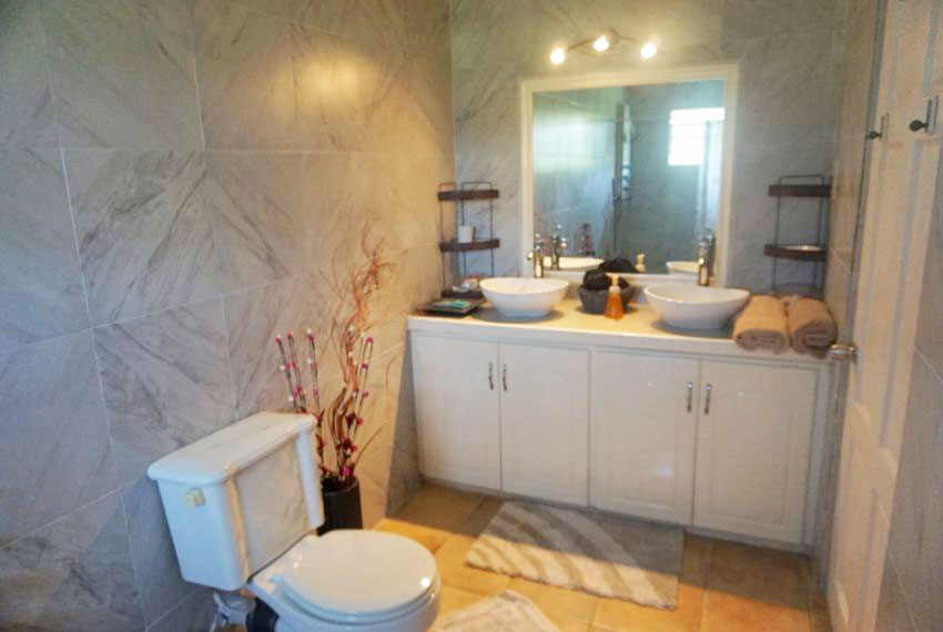 St-Lucia-Home---Bon010---Masterbathroom-2