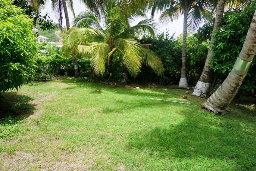 St-Lucia-Home---Bon010---Yard