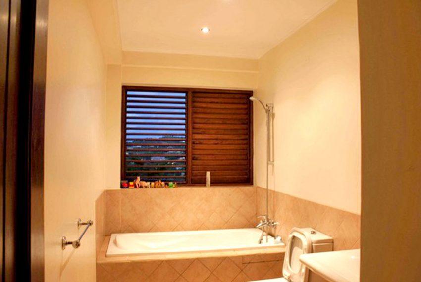 St-Lucia-Homes---Hillside-Villa---Bathroom