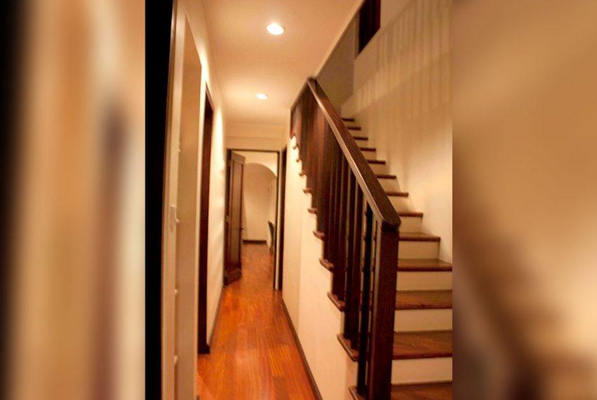 St-Lucia-Homes---Hillside-Villa---Hallway---stairs
