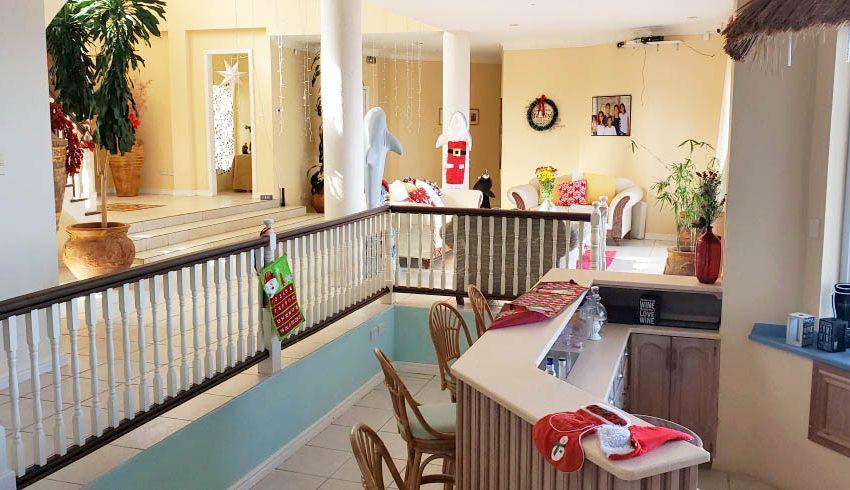 St-Lucia-Homes---Chateau-Devaux---bar