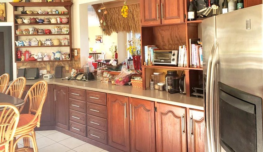 St-Lucia-Homes---Chateau-Devaux---kitchen-3