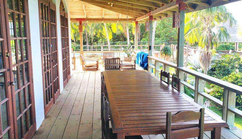 St-Lucia-Homes---Chateau-Devaux---patio