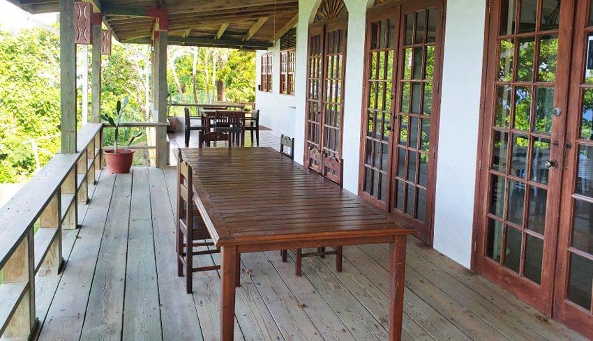 St-Lucia-Homes---Chateau-Devaux---patio-2