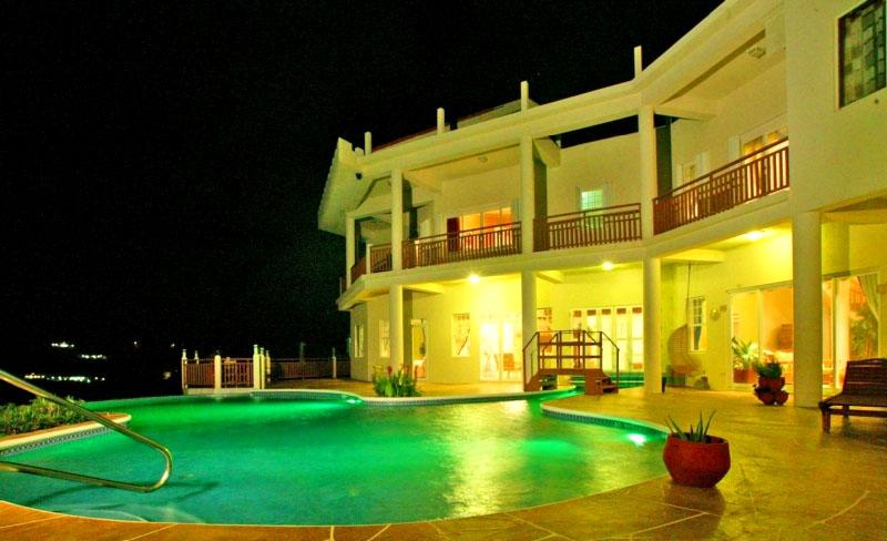 St-Lucia-Homes---Chateau-Devaux---pool