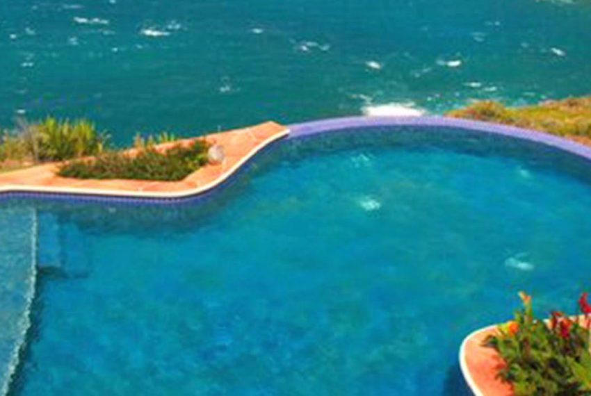 St-Lucia-Homes---Chateau-Devaux---pool image