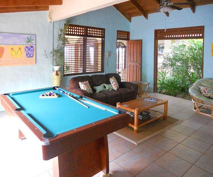 St-Lucia-Homes---Chateau-Devaux---pools table