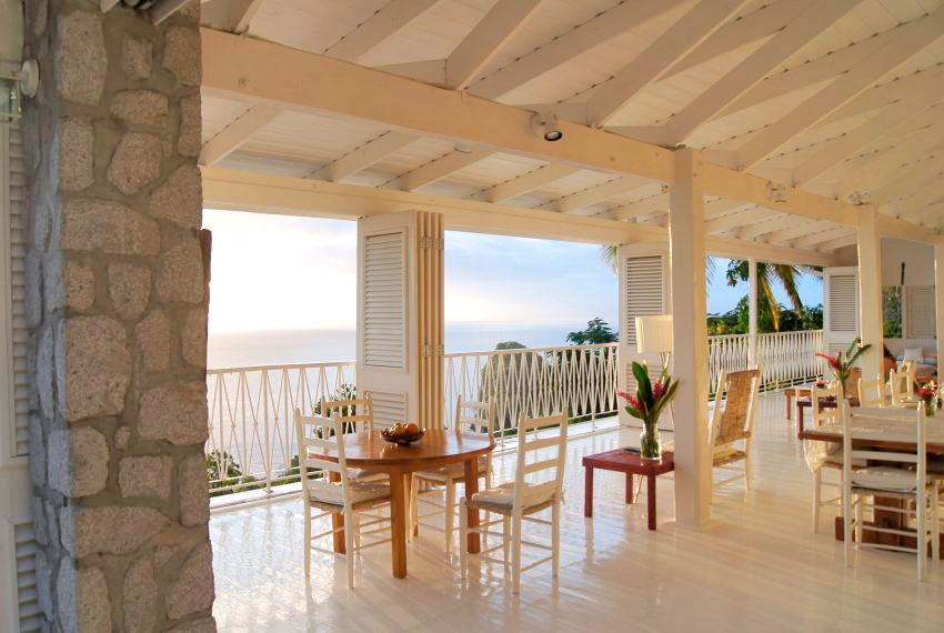 st-lucia-homes---Bananaquit-villa-ouside-dining-view