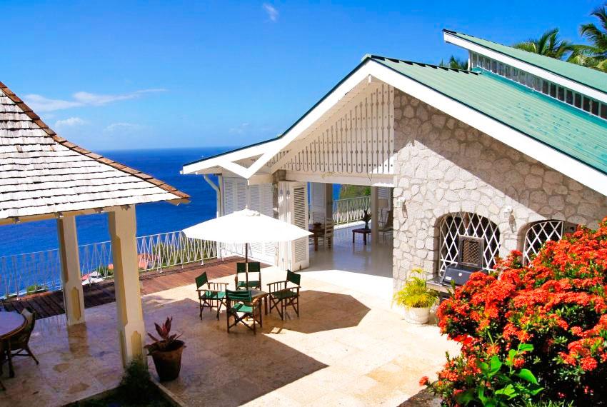st-lucia-homes---Bananaquit-villa-ouside-dining