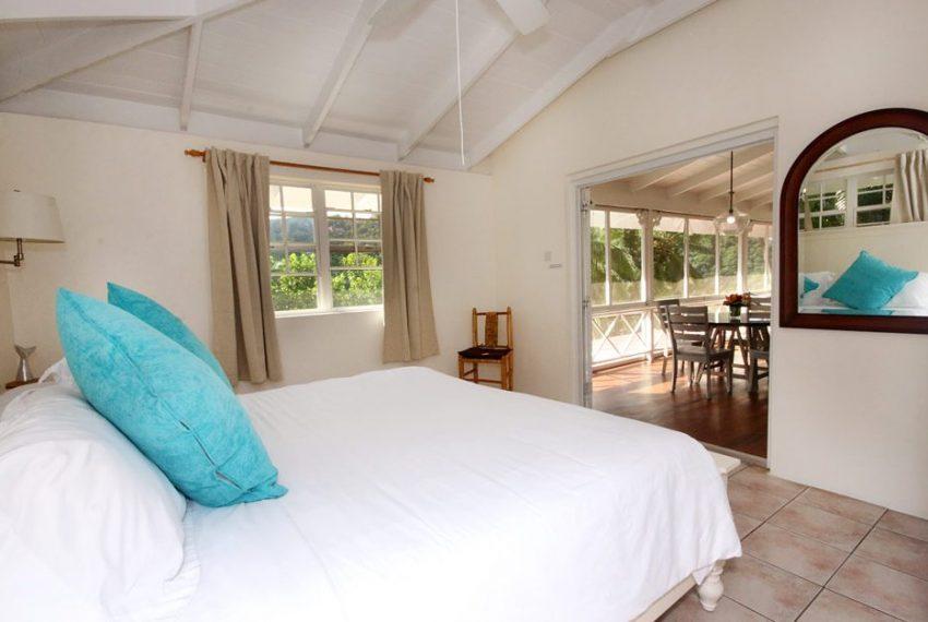 MRG 029 - master-bedroom-at-villa-st-lucia1-952x626
