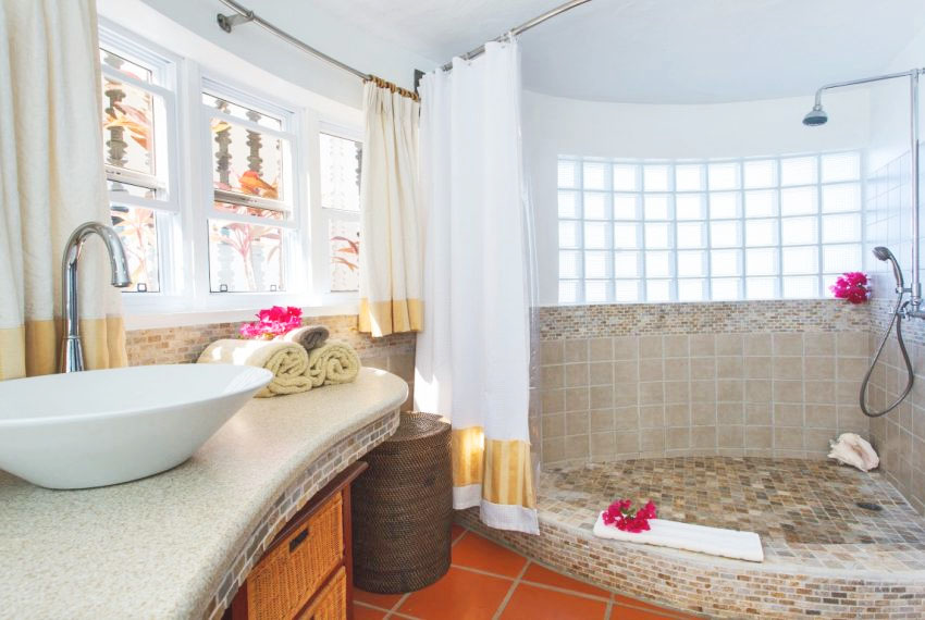 villa hillside inside bathroom