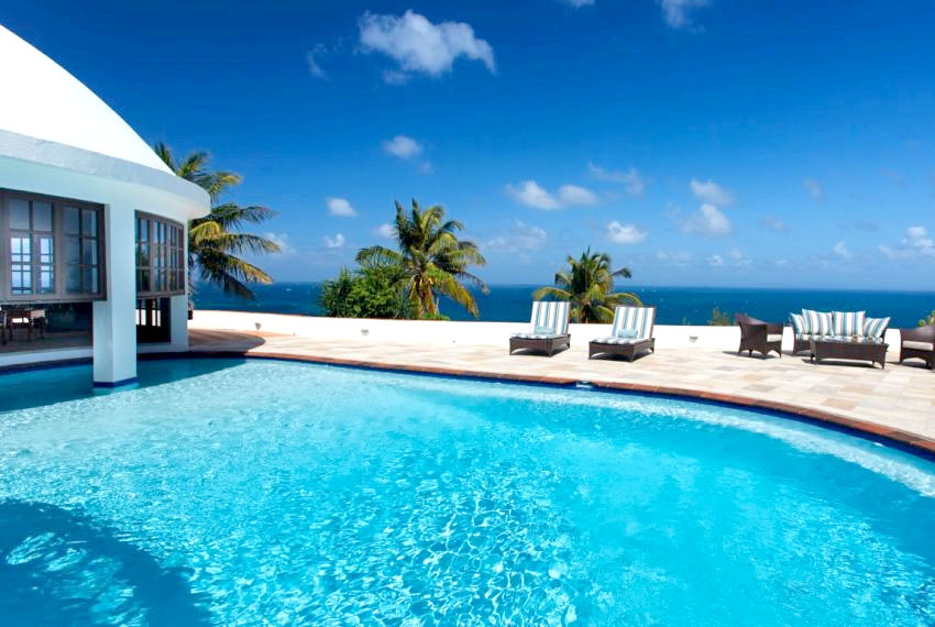villa hillside pool