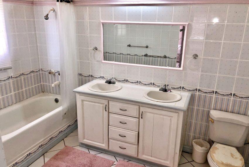 St Lucia Homes - Bon 019 - bathroom-3jpg