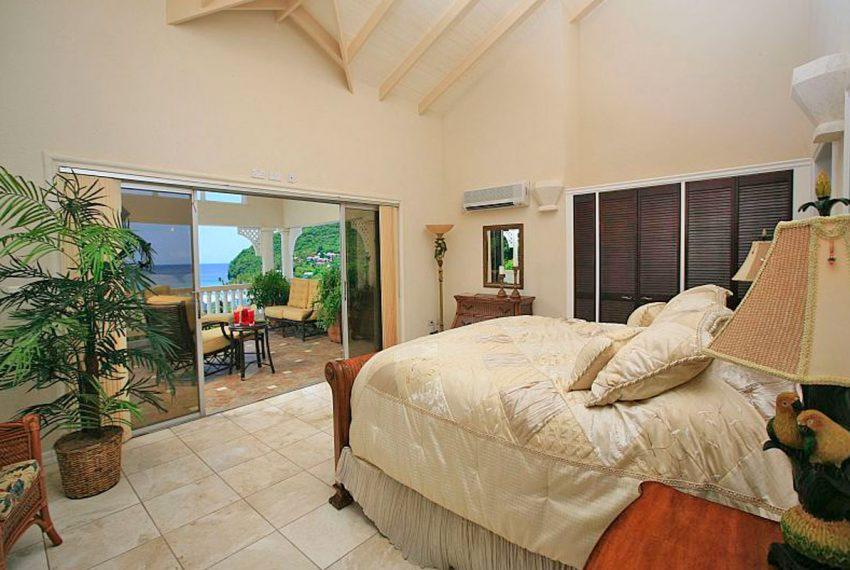 St-Lucia-Homes---MRG033---Villa-Ashiana---Master-bedroom