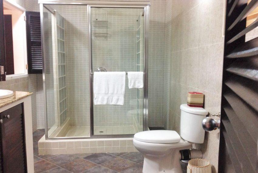 St-Lucia-Homes---MRG033---Villa-Ashiana---Sitting-bathroom