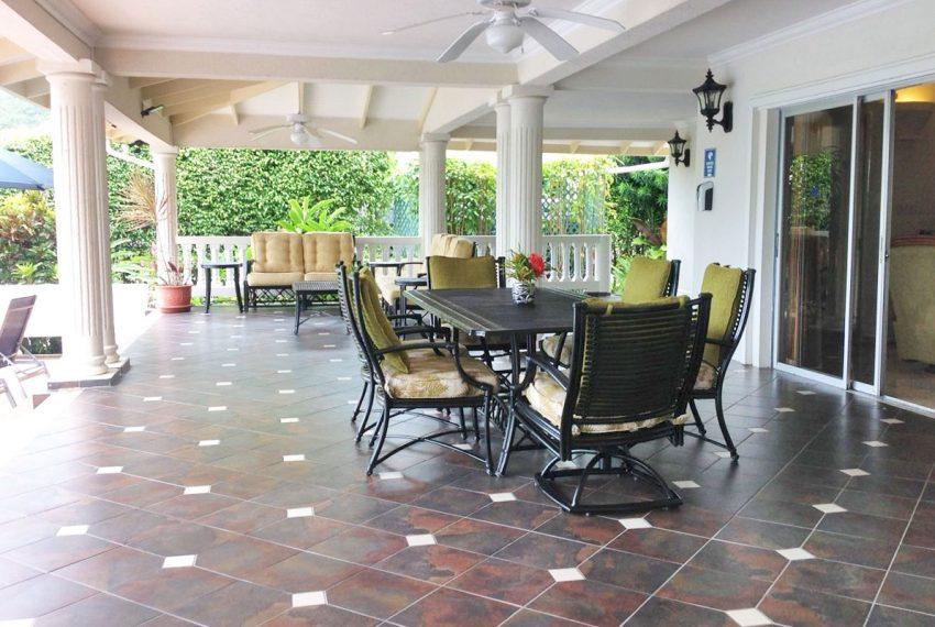 St-Lucia-Homes---MRG033---Villa-Ashiana---Sitting-ooutdoor-dining