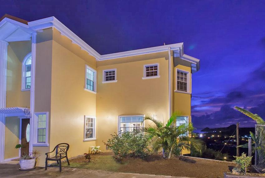 St-Lucia-homes---Villa-Chloesa---Home-nighttime