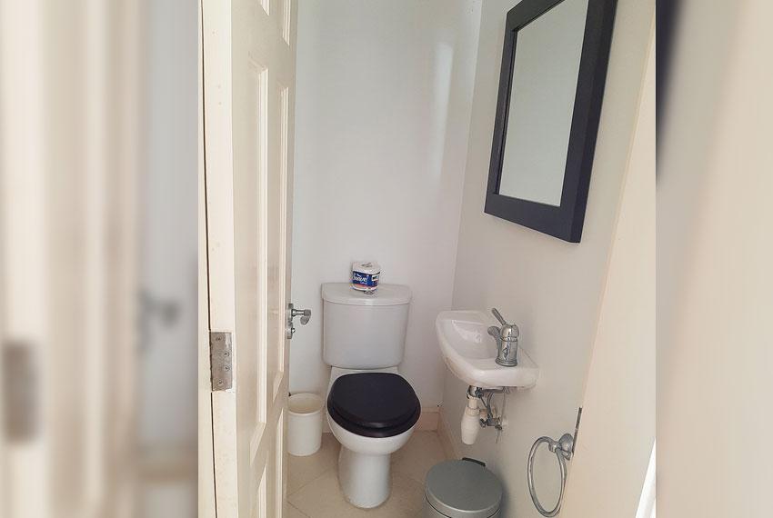 St-Lucia.-Homes---Villa-Valarie---Bathroom-half